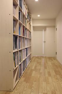 仕事場の本棚-2