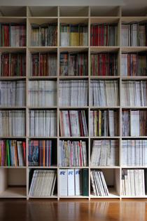 リビングの本棚-2