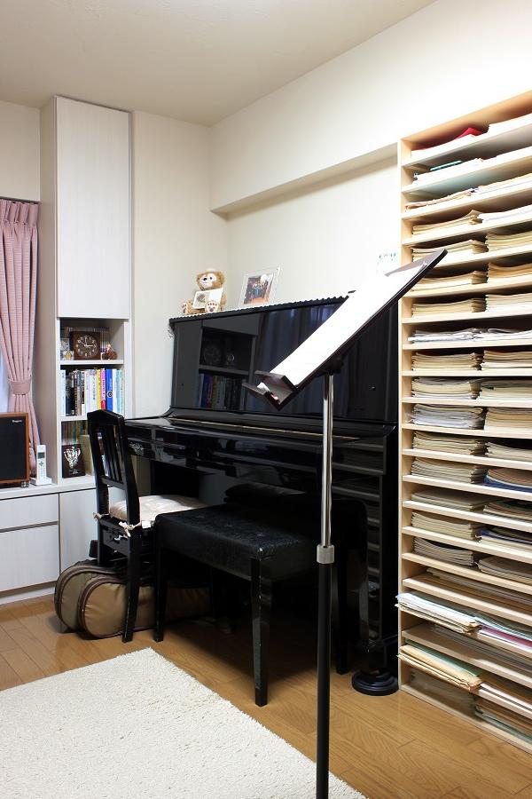 の 本棚 ピアノ