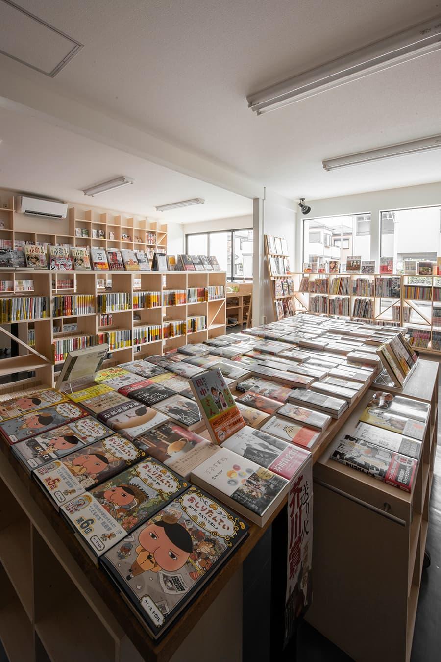 本屋・書店の本棚の使用事例