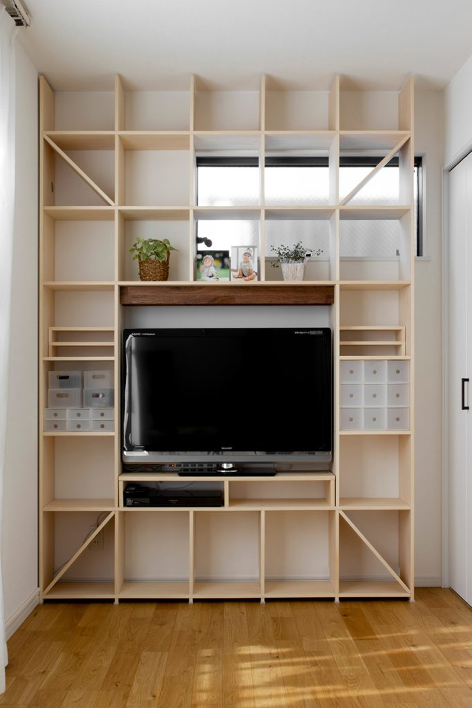 テレビ台とリビングボード