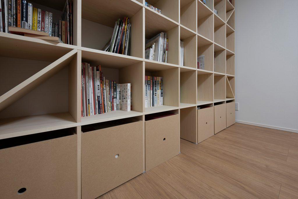 書斎の壁一面