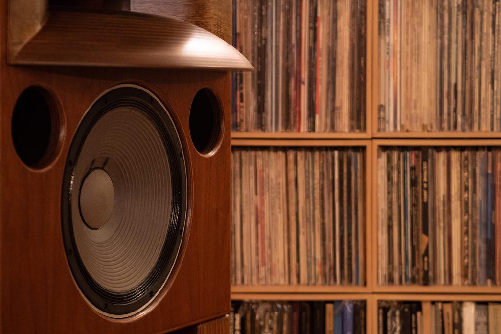 アナログレコードのためのオーディオルーム