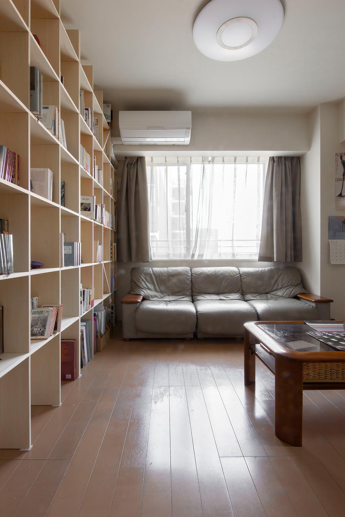 本棚、夫婦それぞれの書斎