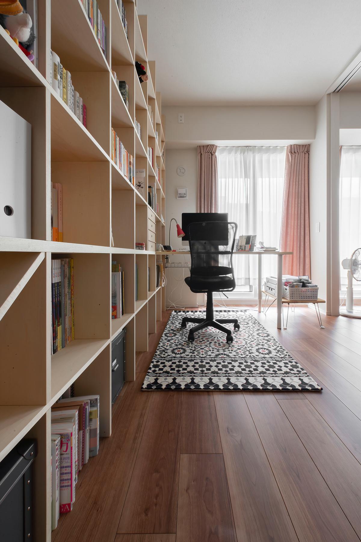テレワークも可能なリビングの書斎