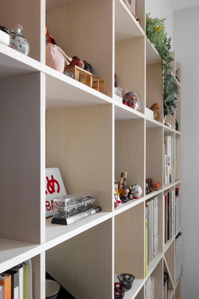 カウンター付き本棚/Shelf(No.25)アクセントウォールを背景に