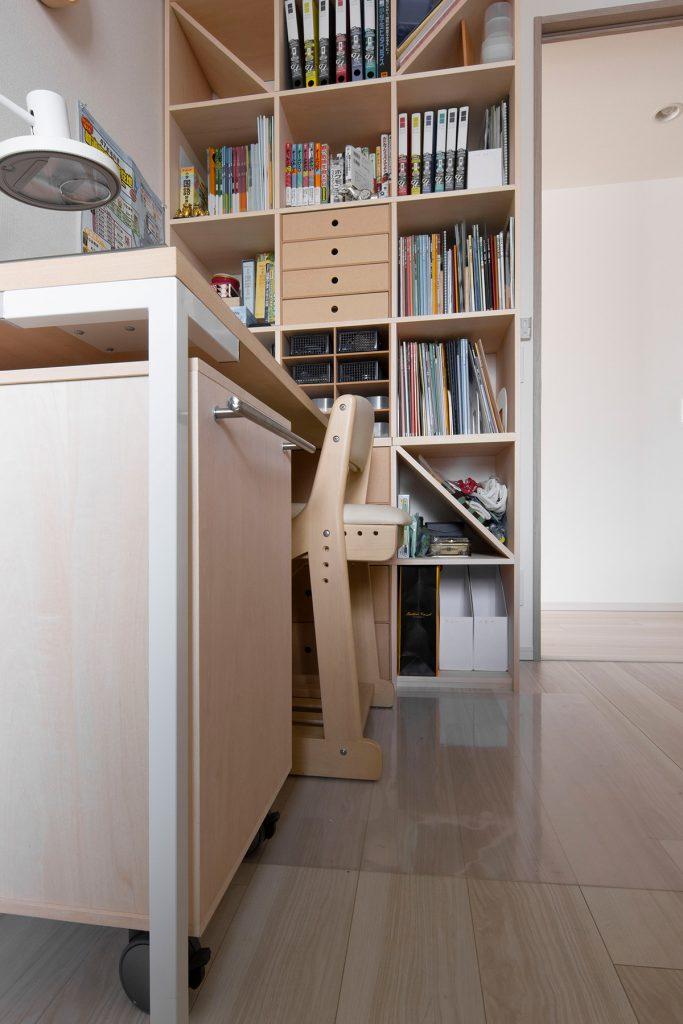 子供部屋の学習机に|デスク付き本棚/Shelf(No.09)