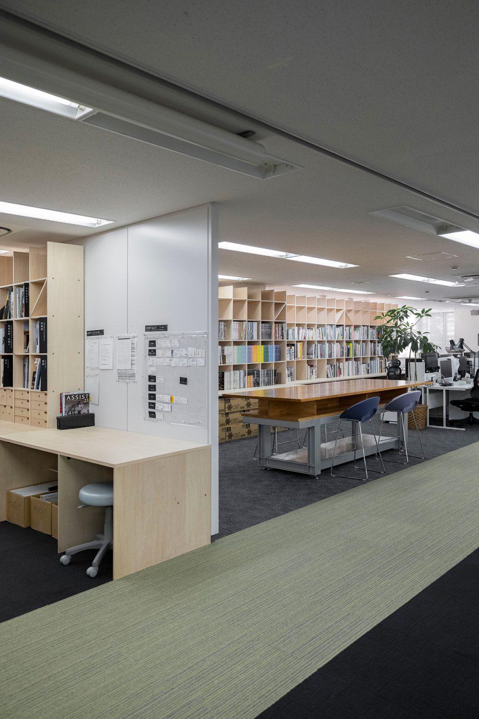 設計事務所のワークスペースに | カウンター付き本棚/Shelf(No.27)