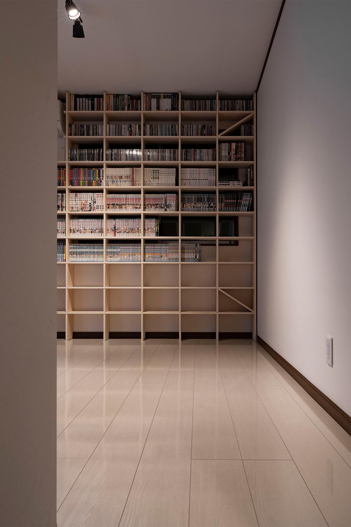 壁面をあますところなく | 壁一面のコミック本棚 奥行180mm/Shelf(No.22)