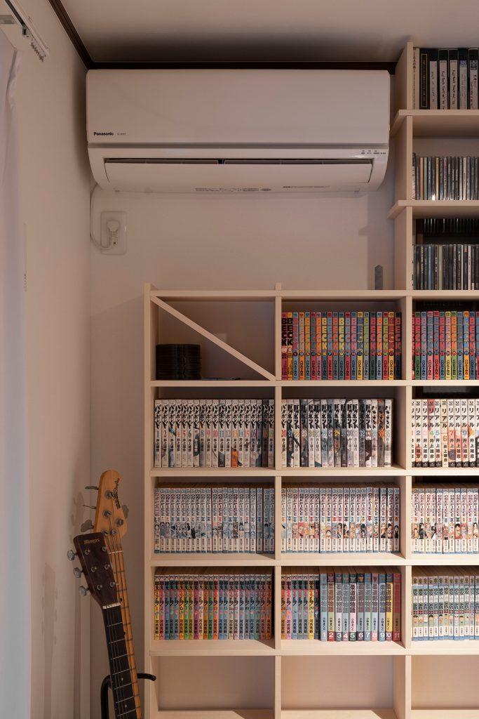 壁一面の文庫本本棚