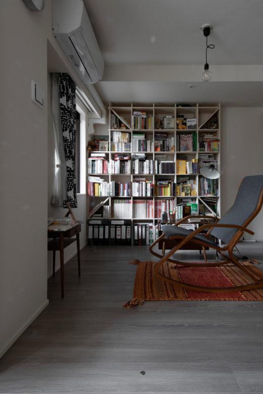 情緒漂う東欧の家具と | 壁一面の本棚 奥行350mm / Shelf (No.114) | margherita使用例