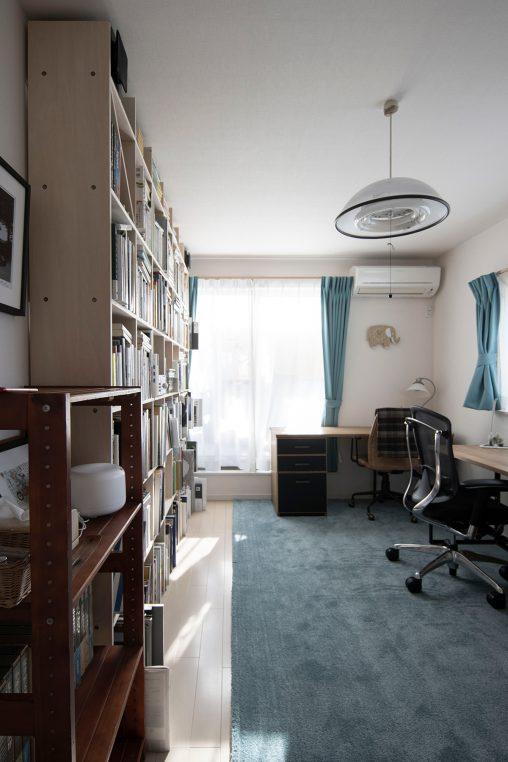 ご夫婦共用の書斎に | 壁一面の本棚 奥行250mm/Shelf(No.66)