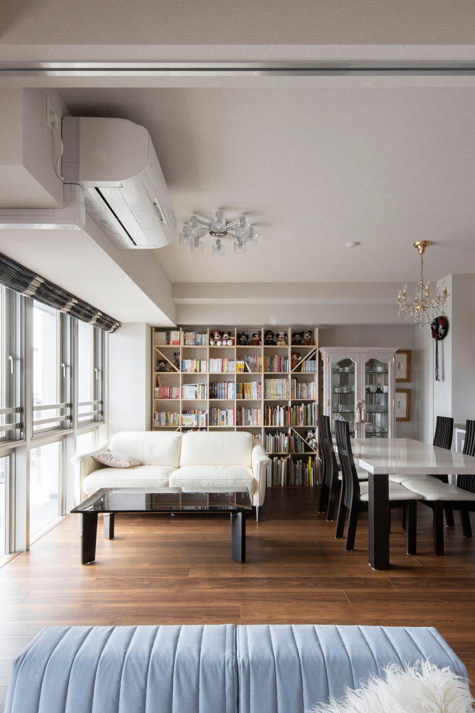 眺めのいい高層階から   壁一面の本棚 奥行250mm/Shelf(No.67)