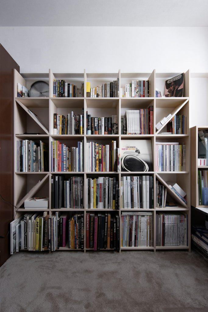 書斎における本棚