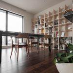 都会を見下ろす高層階のリビングに | 壁一面の本棚 奥行350mm / Shelf (No.97)