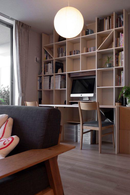 リビングの一角をリモートワークの書斎に | カウンター付き本棚 / Shelf (No.30) | マルゲリータ使用例