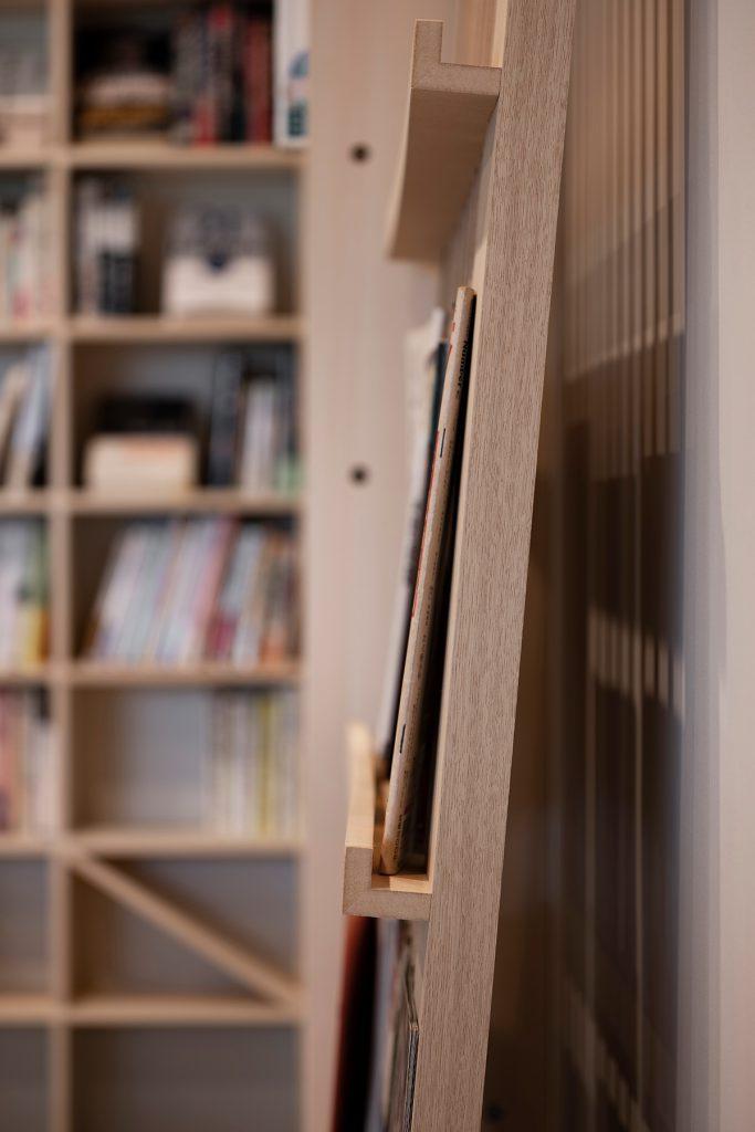 Jaja'sプロジェクト「私設図書館」- その2  マガジンラック / Ladder (No.05)  マルゲリータ使用例