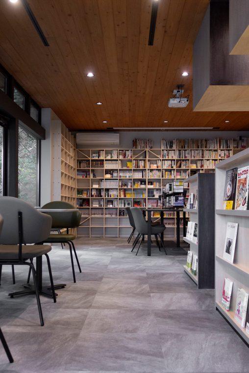 Jaja'sプロジェクト「私設図書館」- その1 | 壁一面のA5判本棚 奥行180mm / Shelf (No.09) | マルゲリータ使用例