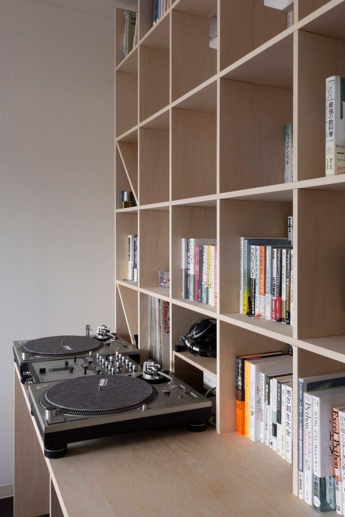 コンパクトな仕事場を構成する | カウンター付き本棚 / Shelf (No.34) | マルゲリータ使用例