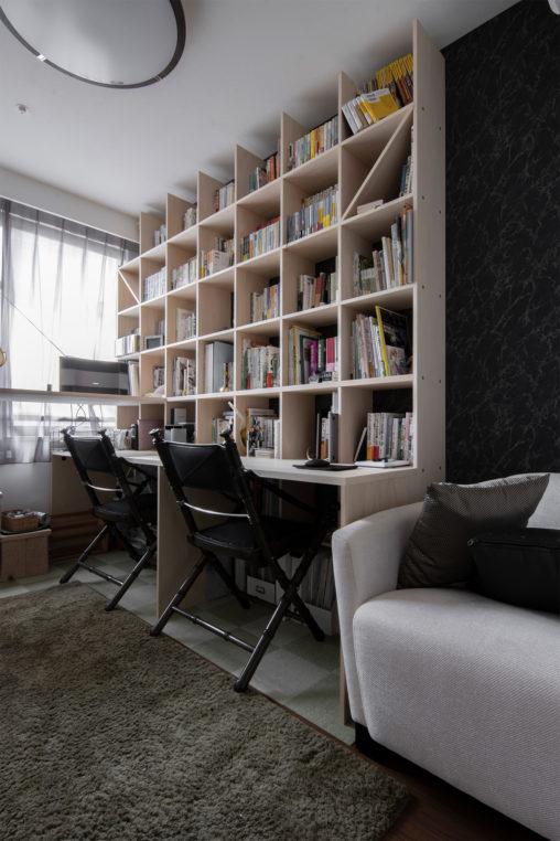 スタンディングデスク+カウンター付き本棚 | スタンディングデスク付き本棚 / Shelf (No.03) | マルゲリータ使用例