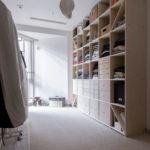クローゼットの衣装棚 | 壁一面の本棚 奥行350mm / Shelf (No.109) | マルゲリータ使用例