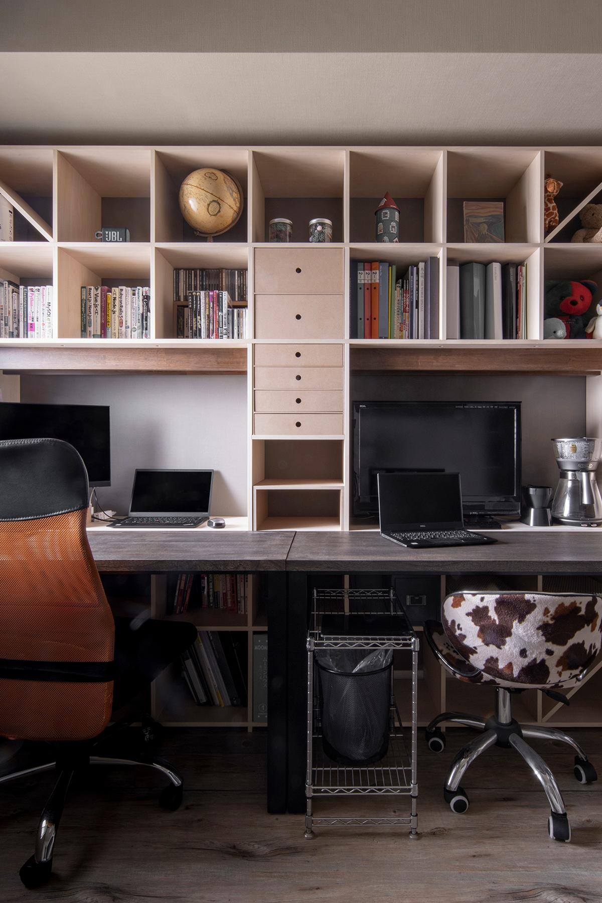 開口部付き本棚とコンソールデスクを組み合わせる | 開口部のある本棚 / Shelf (No.14) | マルゲリータ使用例
