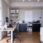 共通のエレメントで家具を足していく   壁一面の本棚 奥行350mm / Shelf (No.123)   マルゲリータ使用例