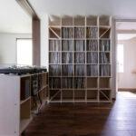 コンパクトに折りたためる音楽室   壁一面の本棚 奥行350mm / Shelf (No.126)   マルゲリータ使用例