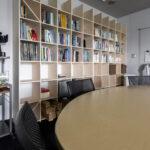 先端技術の大学研究室に   壁一面の本棚 奥行250mm / Shelf (No.91)   マルゲリータ使用例