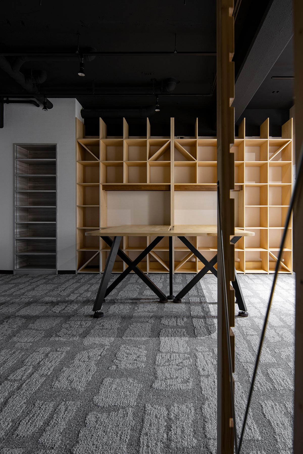 会議室の新しい形   開口部のある本棚 / Shelf (No.15)   マルゲリータ使用例 シンプル おしゃれ 部屋 インテリア レイアウト
