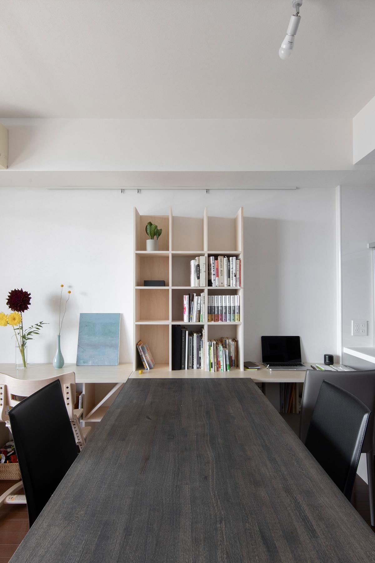リビングダイニングを構成する | アンダーカウンター本棚 / Shelf (No.04) | マルゲリータ使用例 シンプル おしゃれ 部屋 インテリア レイアウト