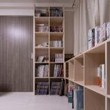 開口部を生かしつつコーナーを有効に活用 | 壁一面の本棚 奥行250mm / Shelf (No.90) | マルゲリータ使用例
